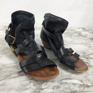 Miz Mooz Black Leather Verona Collection Shoes